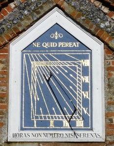 Sundial, The Causeway, Marlow